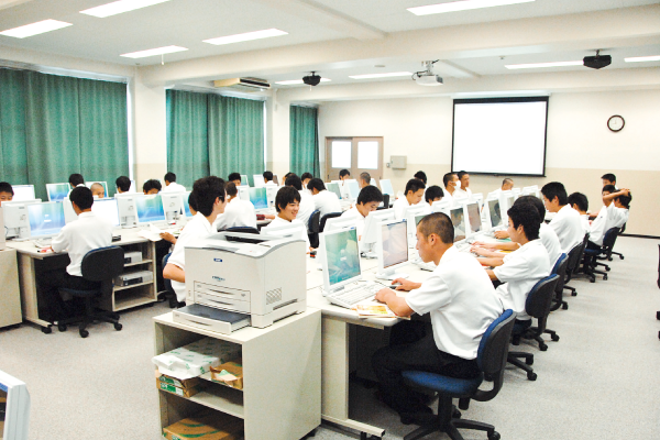 神戸村野工業高等学校 普通科の風景その1