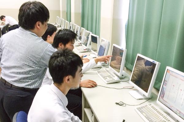 神戸村野工業高等学校は家庭教師の「トライ」と契約しています。