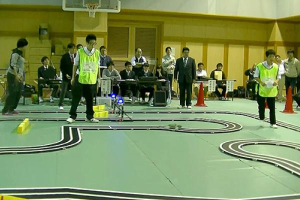 ロボット研究部競技大会写真1