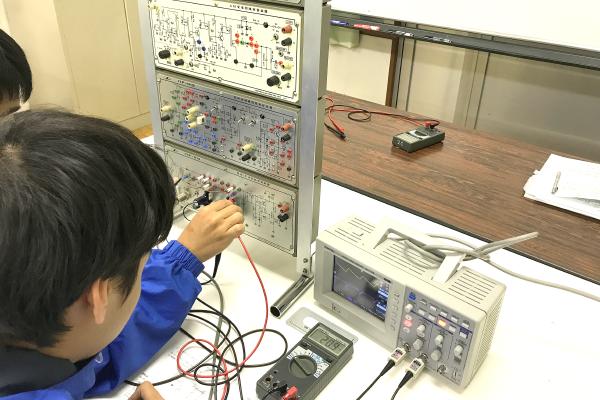 神戸村野工業高等学校 情報技術科の風景その4