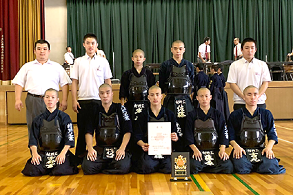【剣道部】神戸市内高校新人剣道大会で3位に入賞しました