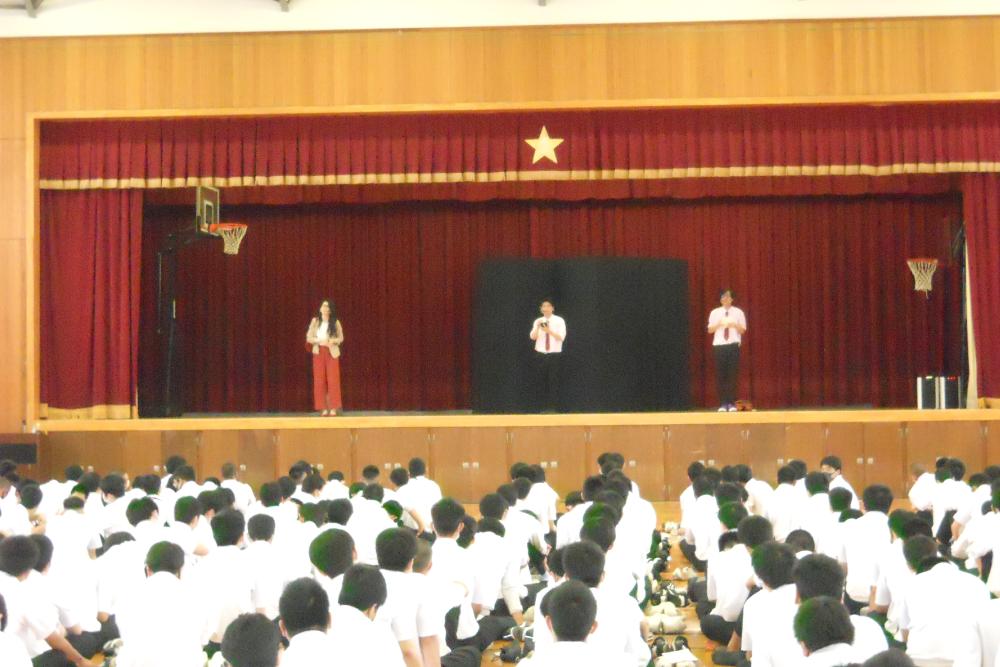 進路特別講演会 劇団「ザ ドクターイエロー」による演劇
